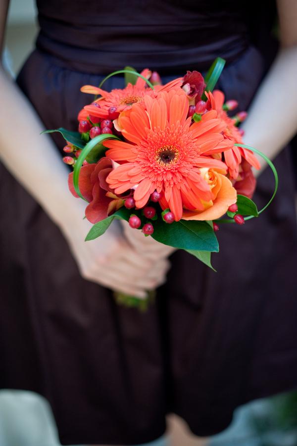 Fall+autumn+wedding+orange+red+halloween+pumpkin+hallows+eve+bride+groom+black+bridesmaids+dresses+orange+burnt+leaves+leaf+centerpieces+Alisha+Crossley+Photography+3 - The Bewitching Hour