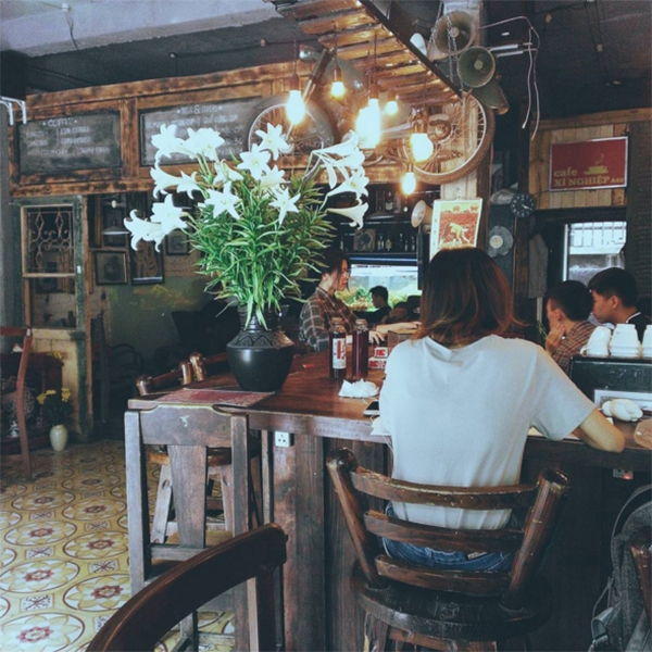 xi-nghiep-cafe-hanoi-vietnam-2
