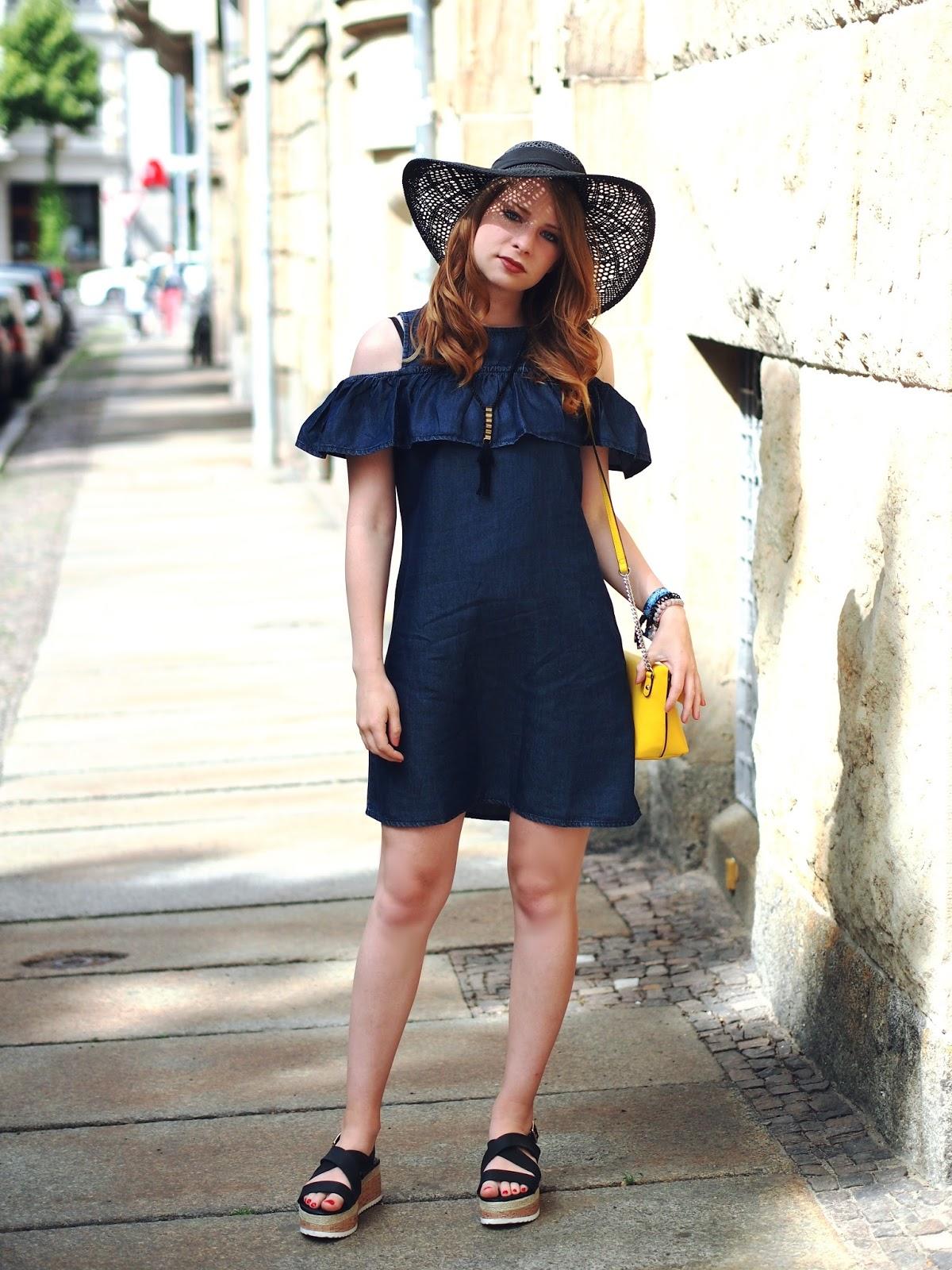 outfit: plateau sandalen und jeans-kleid mit volants von new