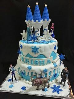 kue ulang tahun tema frozen