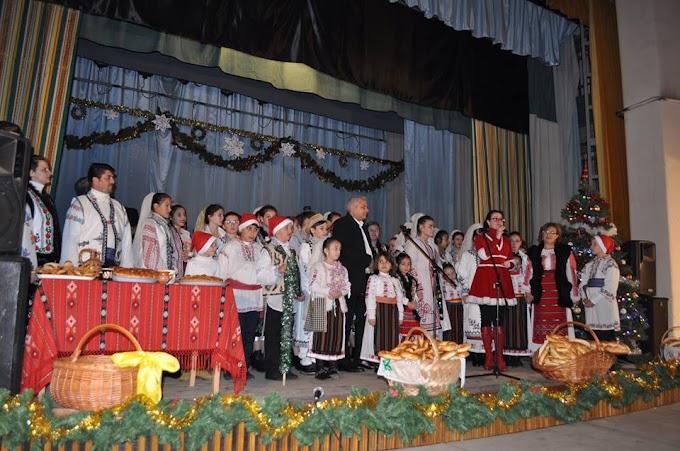 Prima ediţie a spectacolului de Crăciun, Împreună de Sărbători!