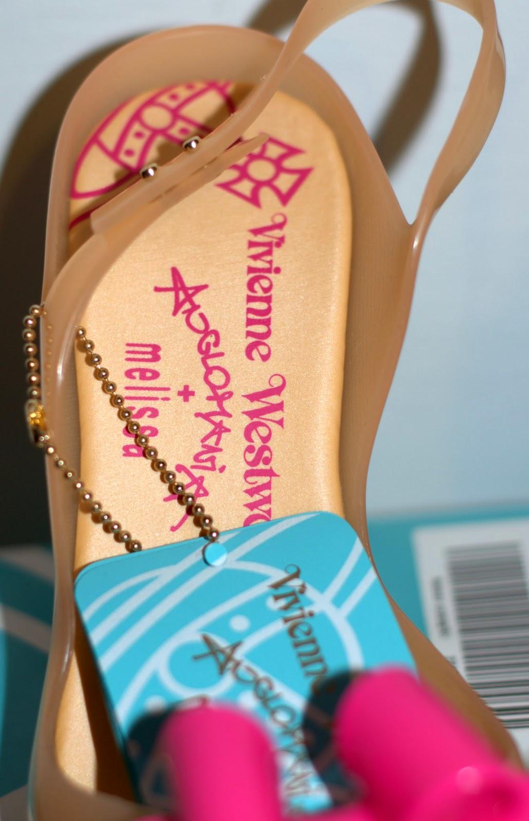 logo Melissa w wkładce gumowego buta jak wygląda?