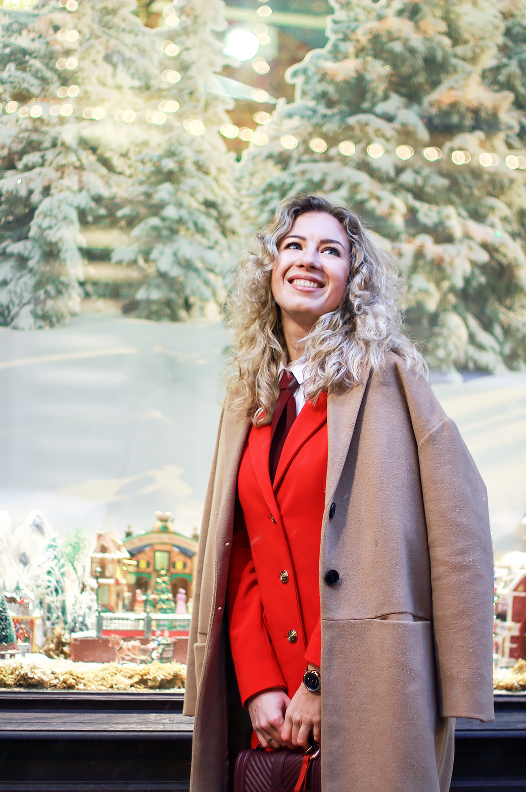 margarita_maslova_ritalifestyle_red_suit_camel_coat_Rebecca Minkoff_bag
