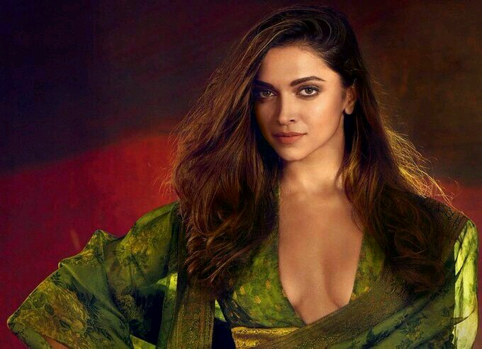 100 plus Hot Sexy HQ Images Of B-Town Actress Deepika Padukone-Best Collection Ever Before
