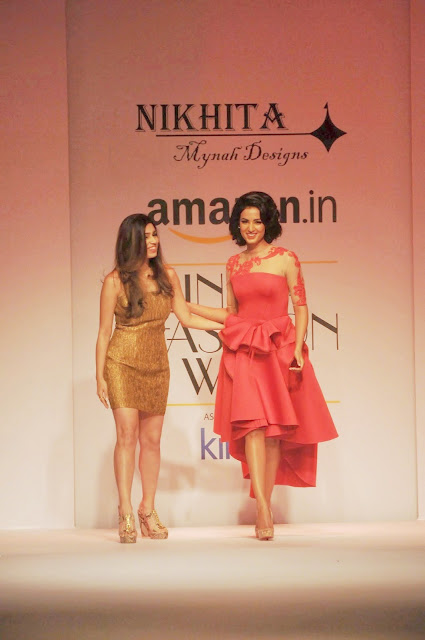 Sonal Chauhan Looks Super Sexy In Red Dress As She Walks Ramp For Nikhita At Amazon India Fashion Week 2015