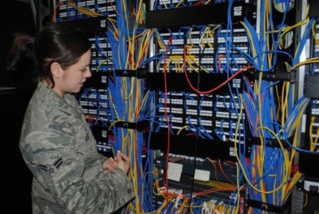 एक कंप्यूटर नेटवर्क इंजीनियर बनें Be A Computer Network