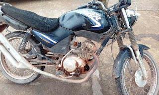 Moto com restrição de furto/roubo