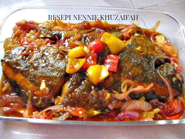 RESEPI NENNIE KHUZAIFAH: Masak sweet sour ikan bawal