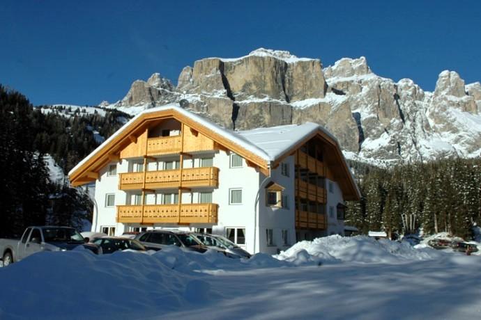 Hotel Lupo Bianco Wellness & Walking di Canazei, benessere e ...