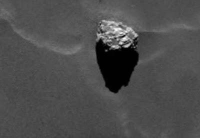 """La montagna a forma di piramide sulla cometa 67P chiamata non a caso """"Cheope"""""""