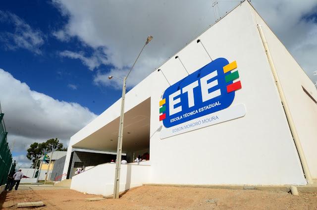 Resultado de imagem para Secretaria de Educação de PE abre nesta segunda-feira inscrições para 14.095 vagas em cursos técnicos