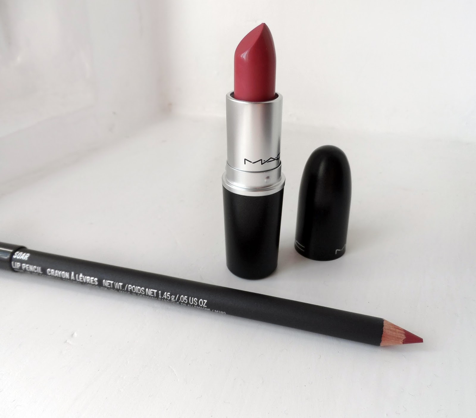 jennifer drinks coffee mac soar lip liner and mehr lipstick swatch and review