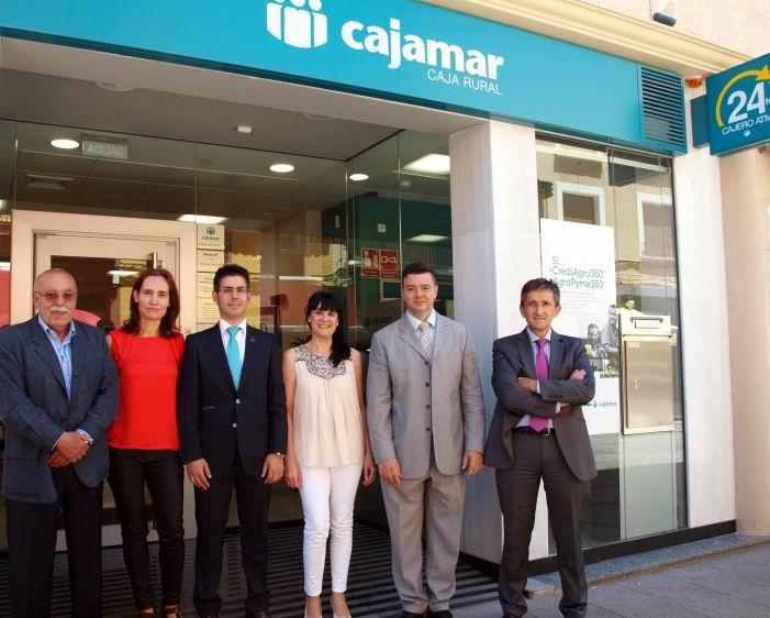 La opini n de almer a cajamar abre en alc zar de san juan for Oficinas de cajamar