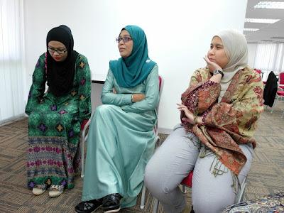 Effective Communication Skills by Azmi Shahrin at Agrobank on 3-4 Aug 2016