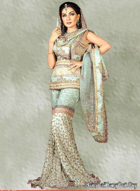 Indian Women Clothing: Indian Women Clothing: Types of ...