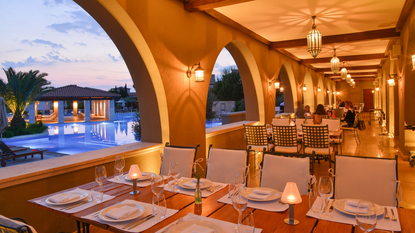 Passion for luxury the westin costa navarino an idyllic for Passion fish restaurant