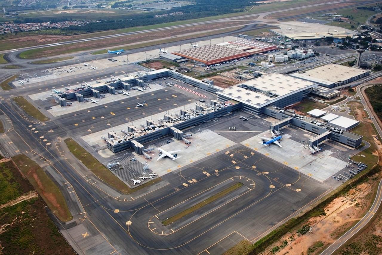 Aeroporto Sp : Direto da pista: anac abre processo que pode cassar concessão do