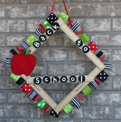 http://www.meandmyinklings.com/index.php/2017/07/17/back-to-school-ruler-wreath/