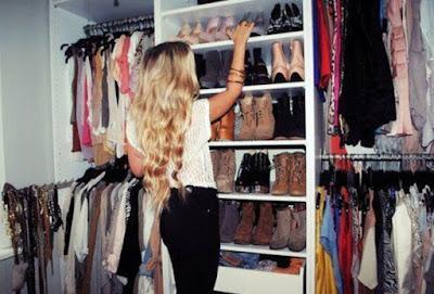 Σκέψεις που κάνει μια κοπέλα όταν δεν έχει τι να φορέσει!