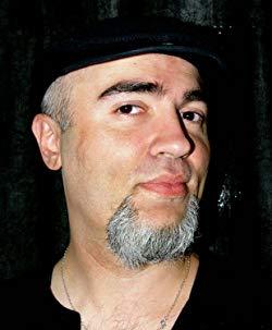 Fotografía escritor Javier Cosnava