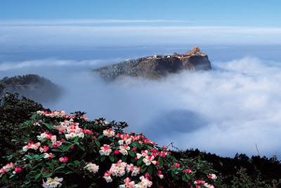 เขาเอ๋อเหมยซาน (Mount Emei: Emei Shan) @ www.windhorsetour.com