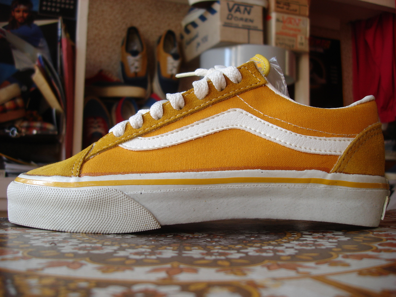 07bbc538c1c732 vintage VANS style  36 OLD SKOOL mustard suede canvas MADE IN USA 1990s new  old stock US5 sk8 low