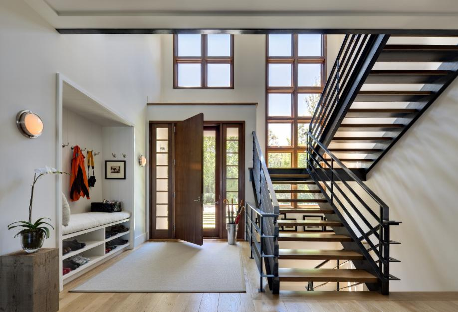 Contemporary Entryway