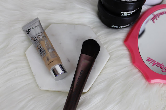 travelling, travel friendly, makeup, beauty, tips, guide, how to, cc cream, it cosmetics