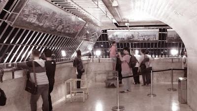 Monas, Monumen Nasional, Objek Wisata, Jakarta, landmark jakarta, Pelataran Puncak Monas