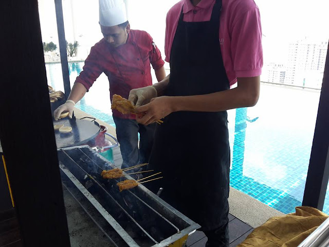 MAKAN-MAKAN SUNDAY BRUNCH BUFFET DI SWIMMING POOL HOTEL THE STRAITS HOTEL & SUITES MELAKA