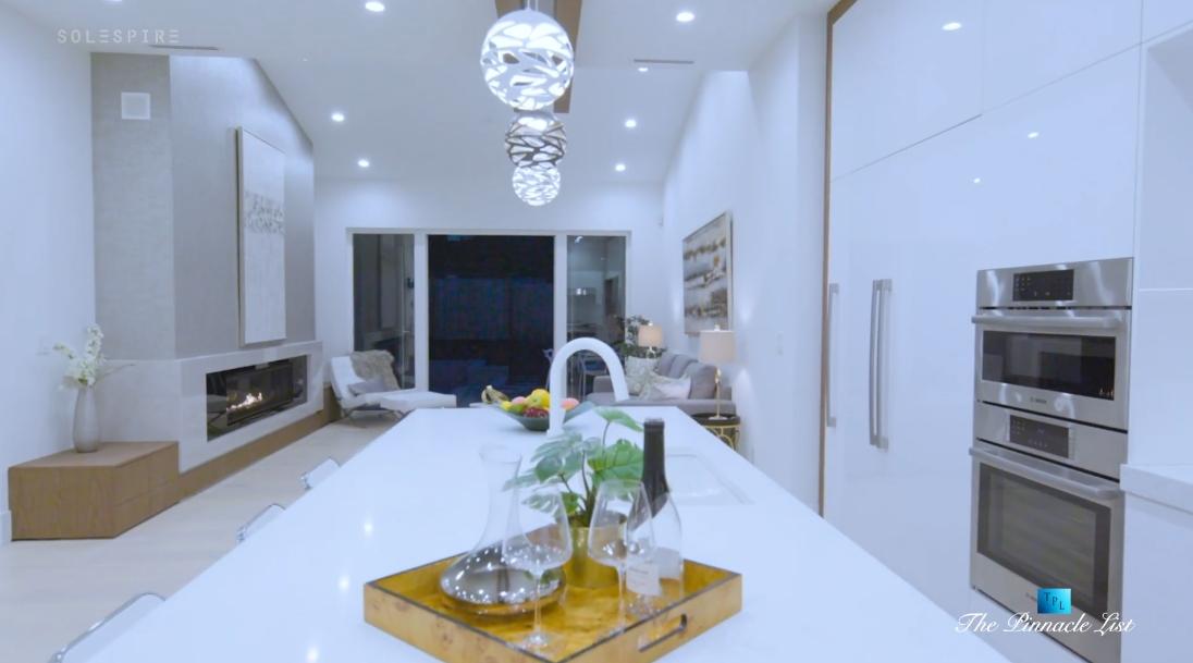 31 Interior Design Photos vs. 822 Cumberland Crescent, North Vancouver Luxury Home Tour