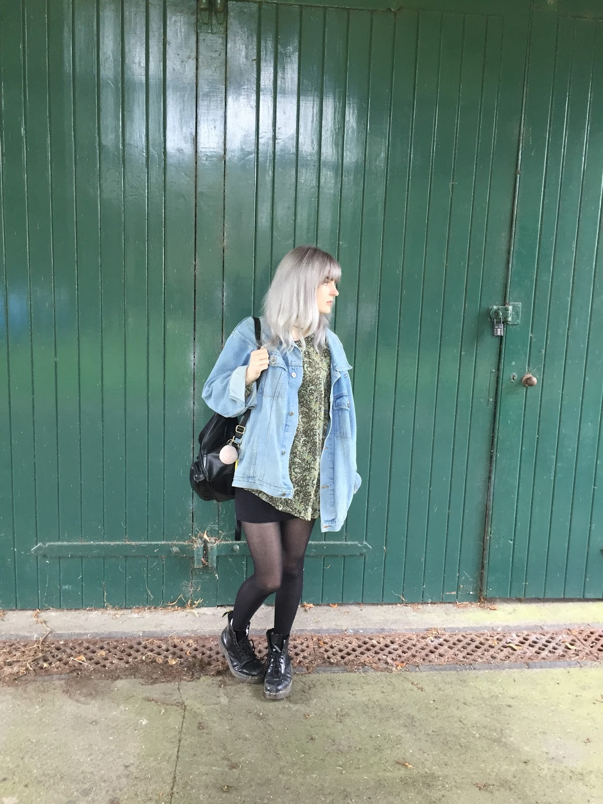 OOTD vintage shirt and Dr Martens