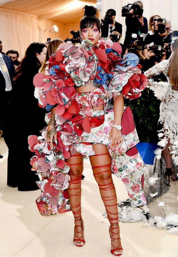 Rei Kawakubo look de Rihanna