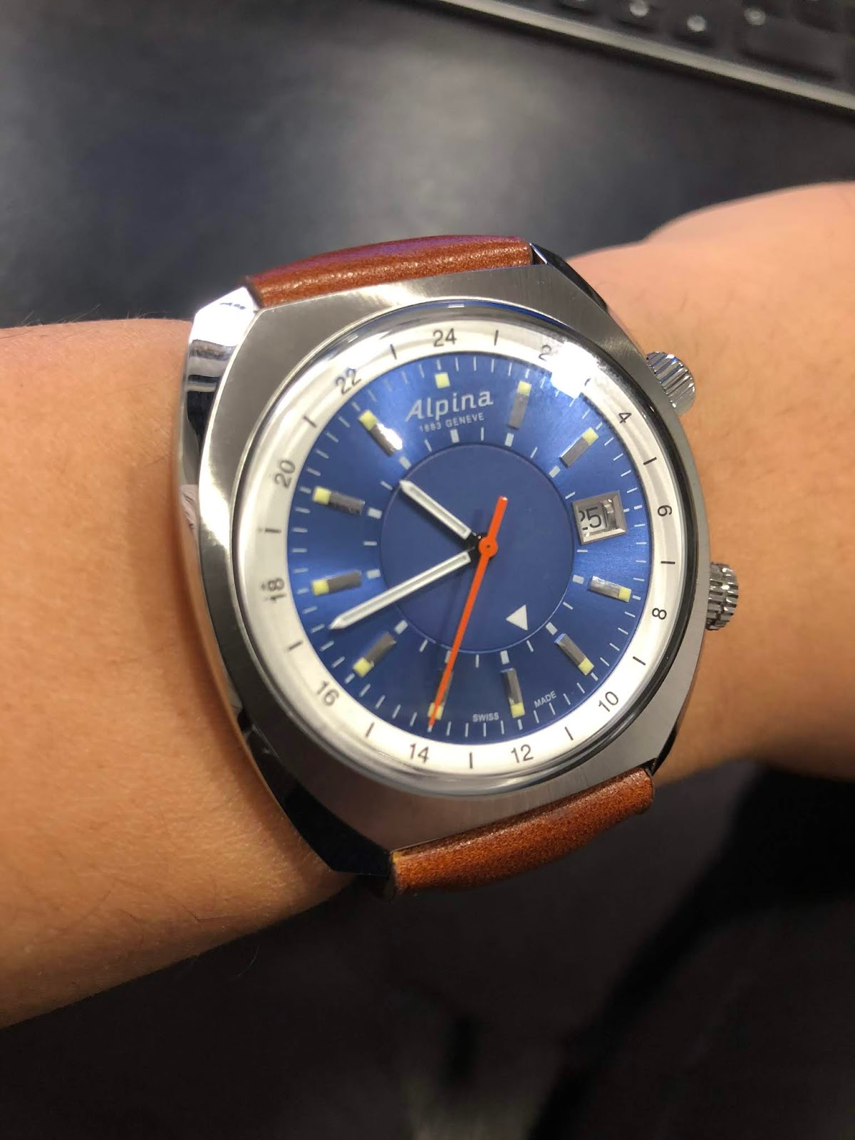 8d23d383bd574 I saw Gnomon Watches of Singapore putting up for sale the Alpina Startimer  Pilot Heritage GMT last month. I tried getting one but was unsuccessful.