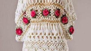 Blusa elegante  tejida al crochet y horquilla