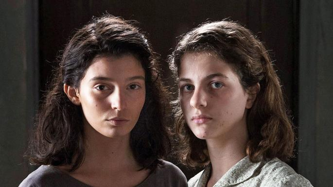 Las protagonistas adolescentes de 'My Brilliant Friend'
