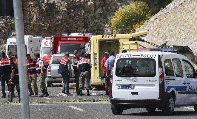 Τουρκία: Τουλάχιστον 6 νεκροί και 36 τραυματίες από την ανατροπή λεωφορείου