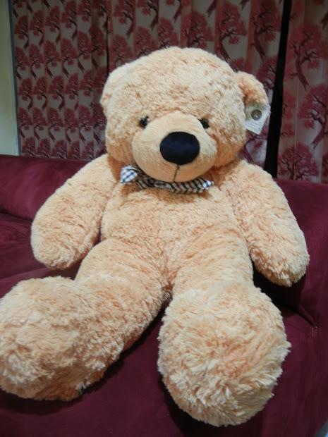 Centre Of Heartbee Big Giant Teddy Bear . Cheap