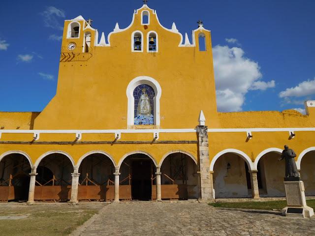 voyage mexique yucatan jaune