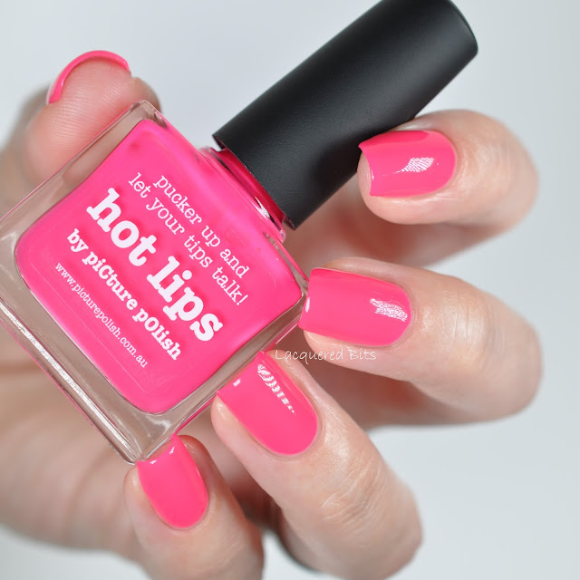 HOT LIPS piCture pOlish