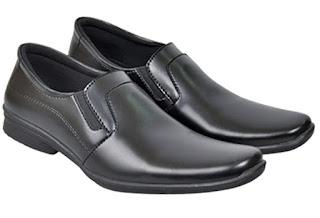 Sepatu-Kerja-Pria-Online-Terbaru-Terlengkap