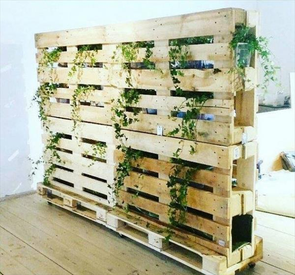 DIY Pallet Planters And Vertical Garden Ideas