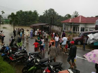 Hot News!! Jalan Lintas Pekanbaru-Payakumbuh Lumpuh Total Akibat Banjir
