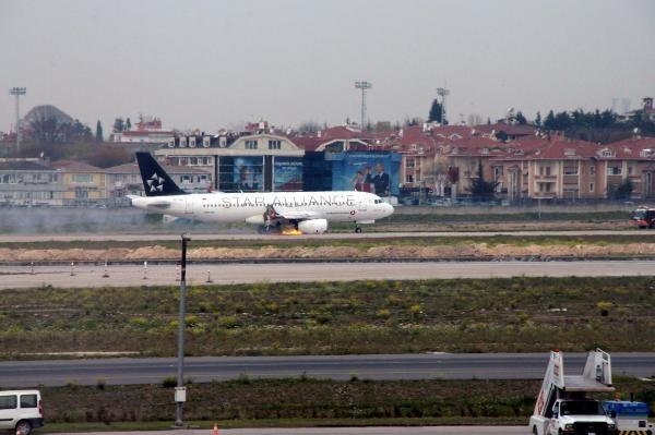 Atatürk Havalimanında THY A320 Pist dışına savruldu