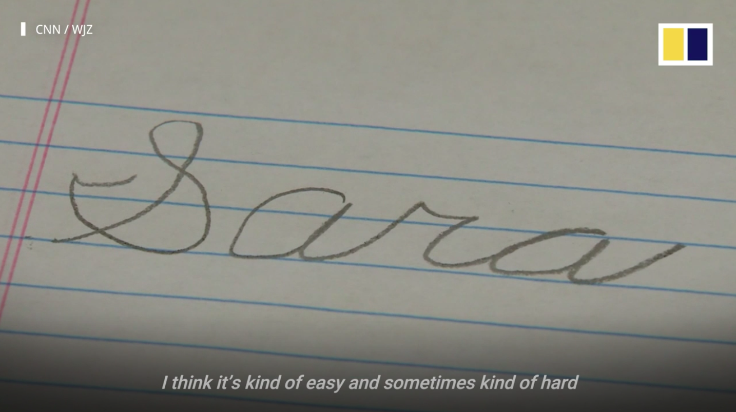 Hinesley writes by holding her pencil between the ends of her arms and has commented in an interview that writing cursive is 'kind of easy'.