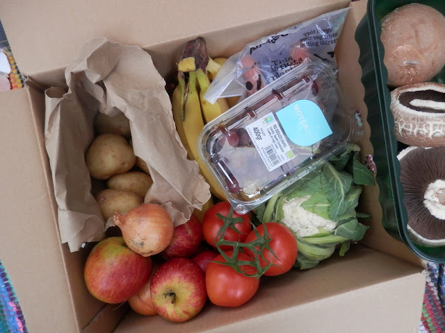 Review - Abel and Cole organic veg boxes. From UK vegan blogger secondhandsusie.blogspot.com #abelandcole #organicvegbox #vegboxreview