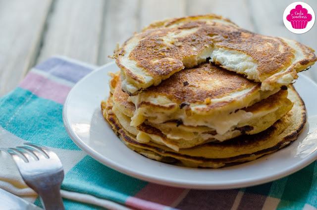 Pancakes salés fourré au chèvre chaud - sans gluten
