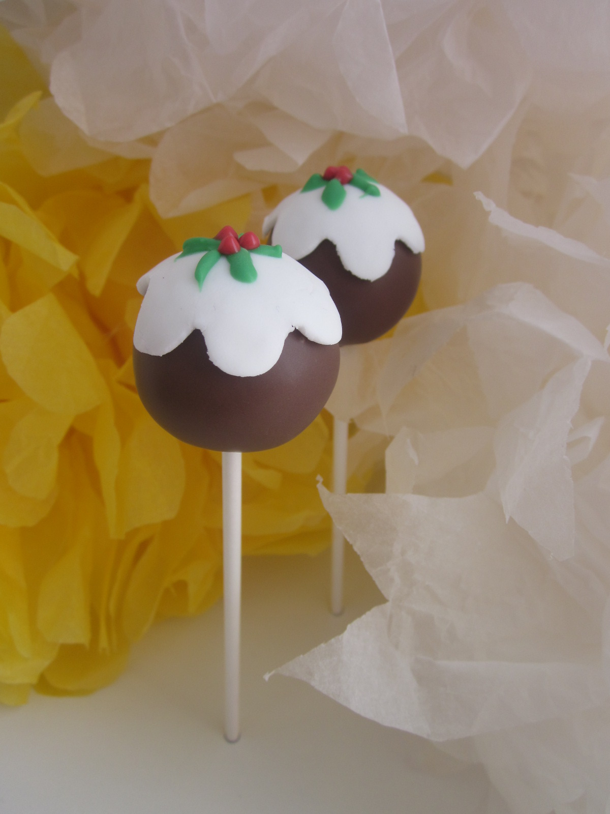 The Cake Pop Bakery Christmas Pudding Cake Pops