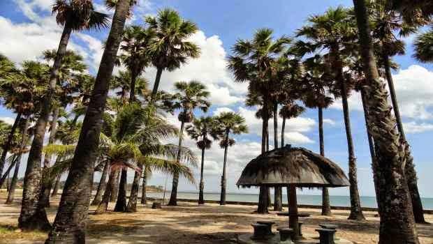 Pantai Lasiana - Tempat wisata alam yang eksotis di kupang