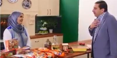 شاهد بالفيديو : انتقادات للداعية عمرو خالد  بعد ترويجه لشركة دواجن ومغردون : فراخ تاخدك للجنة